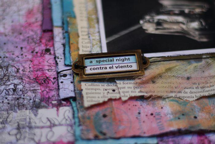 Haz capas de papel de scrap debajo de tus fotos
